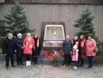Севастопольское коммунисты возложили цветы к стелле города-героя Ленинграда