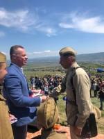 Роман Кияшко наградил руководителей и ветеранов реконструкторских клубов памятными медалями ЦК КПРФ