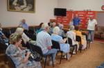 Коммунисты наградили жителей осаждённого Севастополя памятными наградами