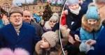 Жириновский на Красной площади раздал деньги «крепостным и холопам». Отвратительно-унизительная показуха «барина»