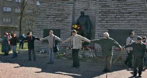27 апреля 2007 года в Таллине демонтирован Бронзовый солдат.